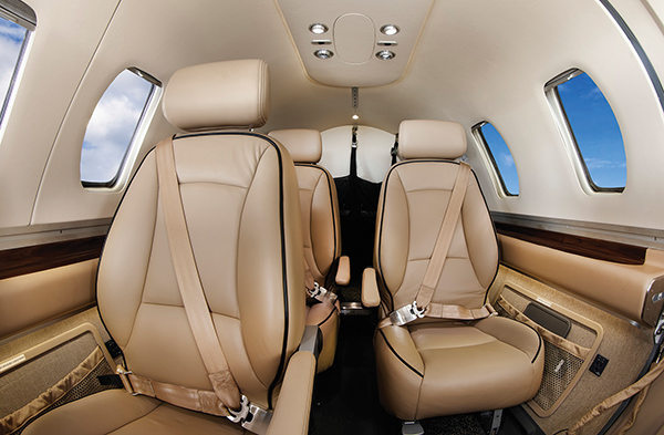 eclipse-550-interior